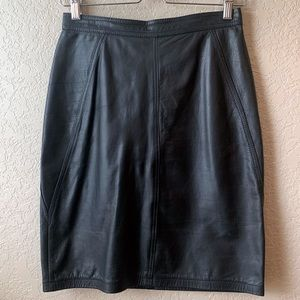 😍 Vintage Genuine Leather pencil skirt